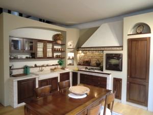 cucina country noce nazionale sassi piave legno massello forno colonna